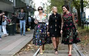 yazin modasi gunluk ince elbiseler